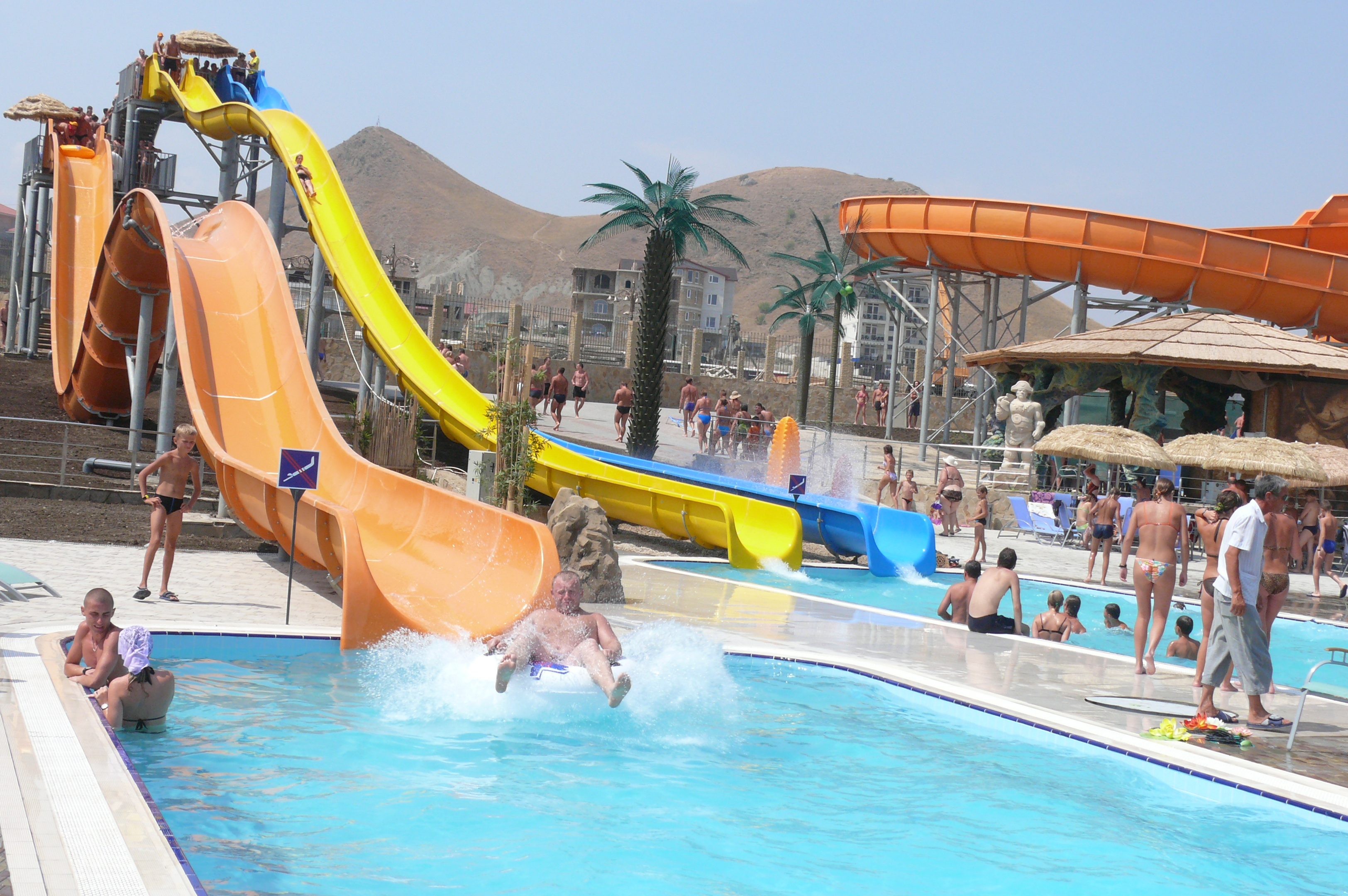 https://aquapark-koktebel.ru/wp-content/uploads/2020/04/Let-vverh-lodka.jpg
